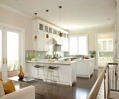 Open kitchen with island & peninsula