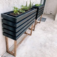Diy Wooden Planters, Diy Planters Outdoor, Herb Planters, Modern Planters, Outdoor Gardens, Diy Planter Box, Diy Trellis, Garden Trellis, Outdoor Projects