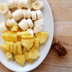 YELLOW is the colour of the rainbow that we are eating today for at with a little slice of banana coconut slice Coconut Slice, Banana Coconut, Food Kids, Afternoon Tea, Kids Meals, Real Food Recipes, Pineapple, Corner, Snacks