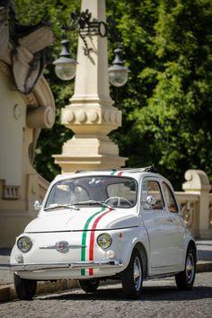 Op en top Italië. 1968 classic Fiat 500 #TuscanyAgriturismoGiratola