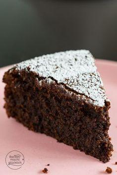 Extrem saftiger Schokoladenkuchen ohne Mehl und Nüsse - der Kern ist wunderbar schokoladig und feucht! | http://www.backenmachtgluecklich.de