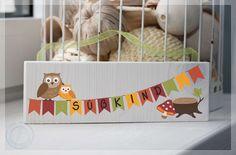 Tür- & Namensschilder - Türschild mit Eulen aus dem Sommerweg - Zu kaufen auf sommerweg.com Toy Chest, Storage Chest, Etsy, Home Decor, Door Name Plates, Printing On Wood, Handmade, Decoration Home, Room Decor