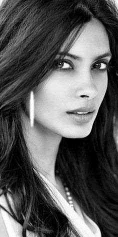 Top 10 Countries With The World's Most Beautiful Women (Pictures included) Most Beautiful Faces, Beautiful Eyes, Gorgeous Women, Girl Face, Woman Face, Pure Beauty, Beauty Women, Black And White Portraits, Interesting Faces