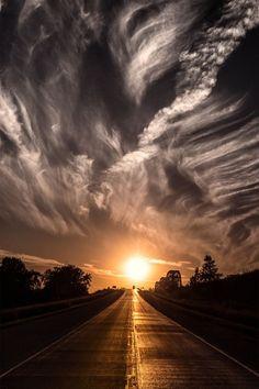 Longo, lindo e misterioso caminho é a vida ✤ Long, beautiful and mysterious way is the life