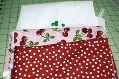 Free Bi Fold Wallet Tutorial - Sew Very Crafty Sewing Tutorials, Sewing Crafts, Sewing Projects, Sewing Patterns, Bag Patterns, Sewing Ideas, Diy Wallet Pattern, Wallet Tutorial, Sew Wallet