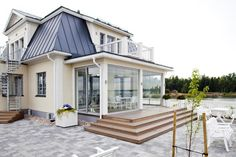 kannustalo aarre - Google-haku Home Fashion, Sunroom, Outdoor Gardens, Entrance, Sweet Home, New Homes, Home And Garden, Exterior, House Design