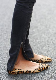 pointy toe leopard print flat // skinny jeans with zipper ankles