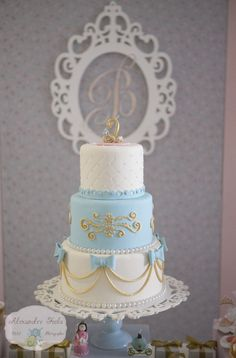Cinderella party cakes - Celebrat : Home of Celebration, Events to Celebrate, Wishes, Gifts ideas and more ! Cinderella Sweet 16, Cinderella Theme, Cinderella Birthday, Princess Birthday, Cinderella Cakes, Quince Cakes, Quinceanera Cakes, Sweet 16 Cakes, Baby Birthday Cakes