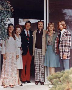 1976: (L to R) Patti Davis, Nancy Reagan, Ronald Reagan, Michael Reagan (adopted), Maureen Reagan (from his marriage to actress Jane Wyman), and Ron Reagan at the Reagan home in Pacific Palisades, California