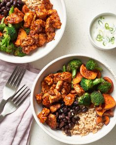 If you love sheet pan suppers, these salad bowls are right up your alley. On the nights I'm craving salad for dinner but also want a meal that's warm & comforting, these BBQ tofu & roasted vegetable bowls hit the spot. Tofu Recipes, Salad Recipes, Vegetarian Recipes, Healthy Recipes, Recipies, Yummy Recipes, Dinner Recipes, Weeknight Recipes, Irish Recipes