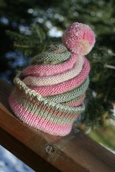 Free Pattern: Swirled Ski Cap by Caps for Kids.