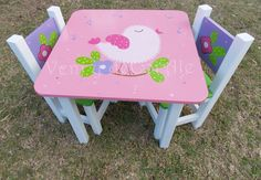 mesa y sillas infantiles, baules, cuadros, decoracion... Funky Painted Furniture, Painted Chairs, Paint Furniture, Kids Furniture, Decoupage, Wood Crafts, Diy And Crafts, Little Girl Bedrooms, Decoration