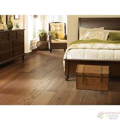 SHAW FLOORS   CASTLEWOOD ALE HICKORY 00626   7.5 INCHES WIDE   WIRE BRUSH DURASHIELD HARDWOOD FLOORING