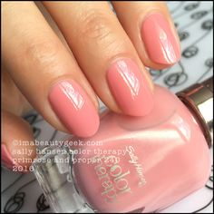 Sally Hansen Color Therapy Primrose and Proper 240_Sally Hansen Color Therapy Nail Review Swatches