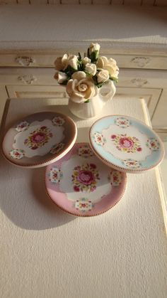 Vintage Shabby Chic  Rose  Plate for door Twelvetimesmoreteeny, €2.80
