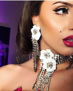 Shiny crystals for a glam party; add an elegant touch to your outfit. Jewelry Party, Aurora, Swarovski, Lily, Touch, Crystals, Elegant, Earrings, Outfits