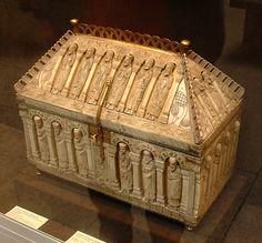Arqueta medieval (s. XIII)