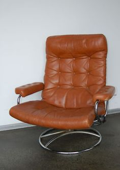 Ekornes Brown Leather Lounge Eames Knoll Vintage BEST. ReclinerLeather