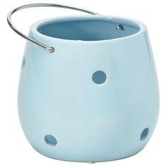 """Das <b>Windlicht </b>""""Hurricane"""" (D: ca. 17,5 cm) aus dem Hause RITZENHOFF & BREKER setzt schöne Akzente in Ihrem Zuhause - beispielsweise auf der Fensterbank oder der Kommode. Die hochwertige Verarbeitung aus<b> glänzender Keramik</b> wird Ihnen ebenso gut gefallen wie die trendige Ausstrahlung in hellem Blau. Ein Windlicht mit Flair!"""