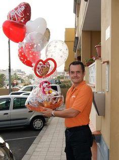 Desayunos a Domicilio Decorados con Globos - Decoración con Globos, Regalos y Desayunos a Domicilio, Suelta de Globos. Valentines Balloons, Catering, Gift Wrapping, Hampers, Birthday, Party, Gifts, Pillows, Hamper