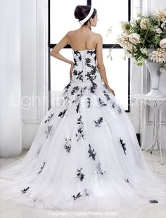 A-line Princess Strapless Tulle wedding dress - USD $ 346.49
