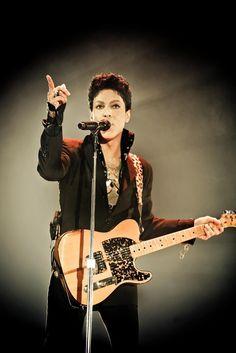 Pics: Prince in black Mavis Staples, Sheila E, Purple Rain, Madonna, Jazz, Hip Hop, The Artist Prince, Paisley Park, Dearly Beloved