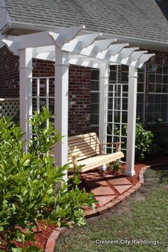 DIY – Garden Arbor Swing - For the front side yard (near bat house). Climbing hydrangeas growing over it. La meilleure image s - Backyard Projects, Outdoor Projects, Backyard Ideas, Rustic Backyard, Patio Ideas, Outdoor Ideas, Arbor Swing, Outdoor Bench Swing, Porch Swing Frame