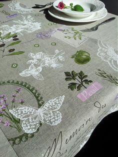 shabby.romantic / Linen tablecloth and runner Provence