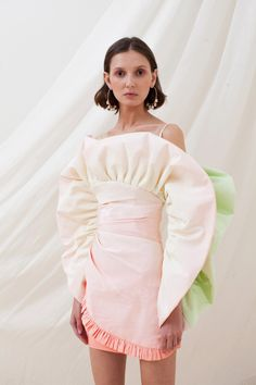 Sandra Mansour Spring 2020 Ready-to-Wear Fashion Show - Sponsored Sandra Mansour Spring 2020 Ready-to-Wear Collection - Sponsored - Vogue Fashion Weeks, Fashion 2020, Runway Fashion, High Fashion, Fashion Show, Fashion Outfits, Fashion Tips, Fashion Trends, Dubai Fashion