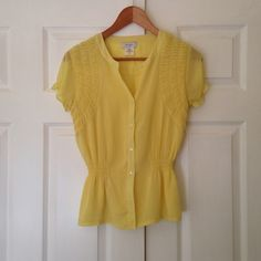 Kate Hill Light Yellow Top Great condition. Pretty summer color. Cinched waist. Kate Hill Tops