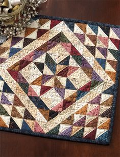 Triangle quilt - Vintage Patchwork A Dozen Small Projects from One Bundle of 10 Squares – Triangle quilt Mini Quilts, Star Quilts, Quilt Blocks, Easy Quilts, Patchwork Quilting, Patchwork Patterns, Block Patterns, Longarm Quilting, Sewing Patterns