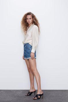 MOM FIT BERMUDA SHORTS | ZARA Bulgaria Bermuda Shorts Outfit, Denim Shorts Outfit, Zara Shorts, Denim Skirt, Jean Shorts, Grunge Style, Soft Grunge, Tokyo Street Fashion, Grunge Outfits