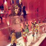 Gossip - Anche i vip alla mostra di Barbie al Vittoriano di Roma - Chiamarla semplicemente Barbie, è limitativo. È un emblema, un'icona che da cinquantasei anni è simbolo dell'infanzia, unendo ...
