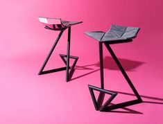 The Z Chair gets its name from the 'Z' shaped structure of its framework, but there's more to it than just alphabetic resemblance. Its