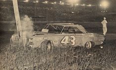 LeeRoy's Richmond luck wasn't good. He only raced one other time at Nascar Crash, Nascar Racing, Richard Petty, King Richard, Ford Pinto, Old Race Cars, Dirt Track Racing, Vintage Race Car, Old Pictures