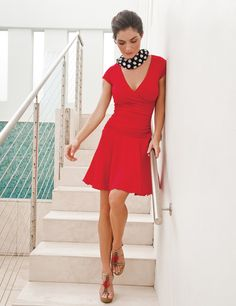 Monika Short Sleeve V-Neck Red : My Favorite Travel Dress