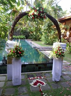 Simple balinese decoration bali wedding decoration ideas simple white and red decoration bali weddingwedding decorationswedding decorwedding jewelry junglespirit