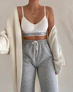 Cute Lazy Outfits, Sporty Outfits, Mode Outfits, Teen Fashion Outfits, Stylish Outfits, Cute Lounge Outfits, Stylish Girl, Casual Mode, Outfit Des Tages