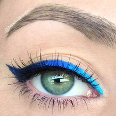 Blue Ombré: 3 blue liners in the same gradient color family.