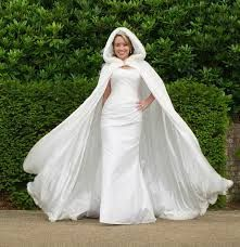 Afbeeldingsresultaat voor bruids bont cape