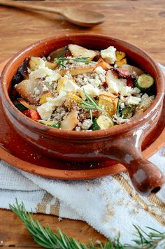 HEBA krummelpap is a great substitute for couscous. Serve with roasted vegetables and feta for a Banting take on this Mediterranean delight. Recipe: bit.ly/BantingBlvdBlog Banting, Roasted Vegetables, Couscous, Thai Red Curry, Feta, Ethnic Recipes