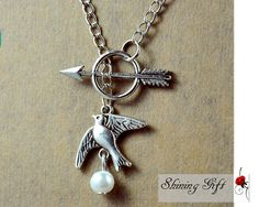 Hunger Games Katniss Mockingjay ,Arrow with Peeta's Pearl necklace, Lariat-In Silver