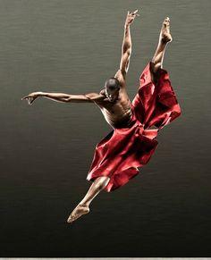 Alozono King Ballet. Photo by R.J. Muna