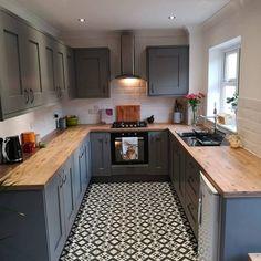 Kitchen Room Design, Kitchen Dinning, Kitchen Layout, Home Decor Kitchen, Interior Design Kitchen, New Kitchen, Dining, Kitchens And Bedrooms, Home Kitchens