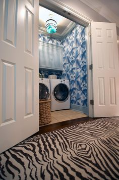 Cole & Son Palm Jungle Wallpaper in Blues on White in Laundry Room