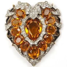 Brooches Jewels : Trifari 'Alfred Philippe' Pave Topaz and Enamel Heart Pin Clip 1941 Old Jewelry, Heart Jewelry, Antique Jewelry, Vintage Jewelry, Fine Jewelry, Jewlery, Vintage Costume Jewelry, Vintage Costumes, Antique Brooches