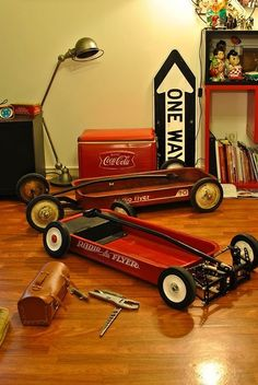 Ok i know it doesnt have motor but it does have wheels. And i am sooooo gunna make this for my kids. Custom Radio Flyer Wagon, Radio Flyer Wagons, Kids Wagon, Toy Wagon, Pull Wagon, Little Red Wagon, Drift Trike, Kids Ride On, Pedal Cars