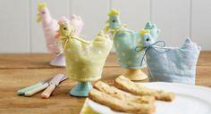 Wielkanocne dekoracje na stół.