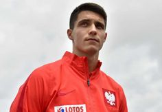 Premier League champions Leicester City have completed the signing of Poland winger Bartosz Kapustka on a five-year contract.