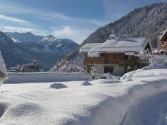 Une bataille de boules de neige à Champagny-en-Vanoise #ski #Savoie Location Ski, Destinations, Places Ive Been, Skiing, Snow, Outdoor, Snowball Fight, Dance Floors, Ski